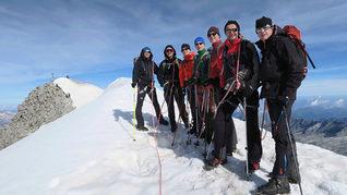 Glade Michel Wirtz Kanzlei beim Bergsteigen im Winter