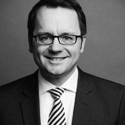 Dr. Marius Boewe