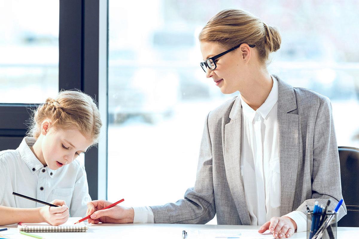 Mutter und erfolgreiche Juristin bei der Bayerischen Steuerverwaltung