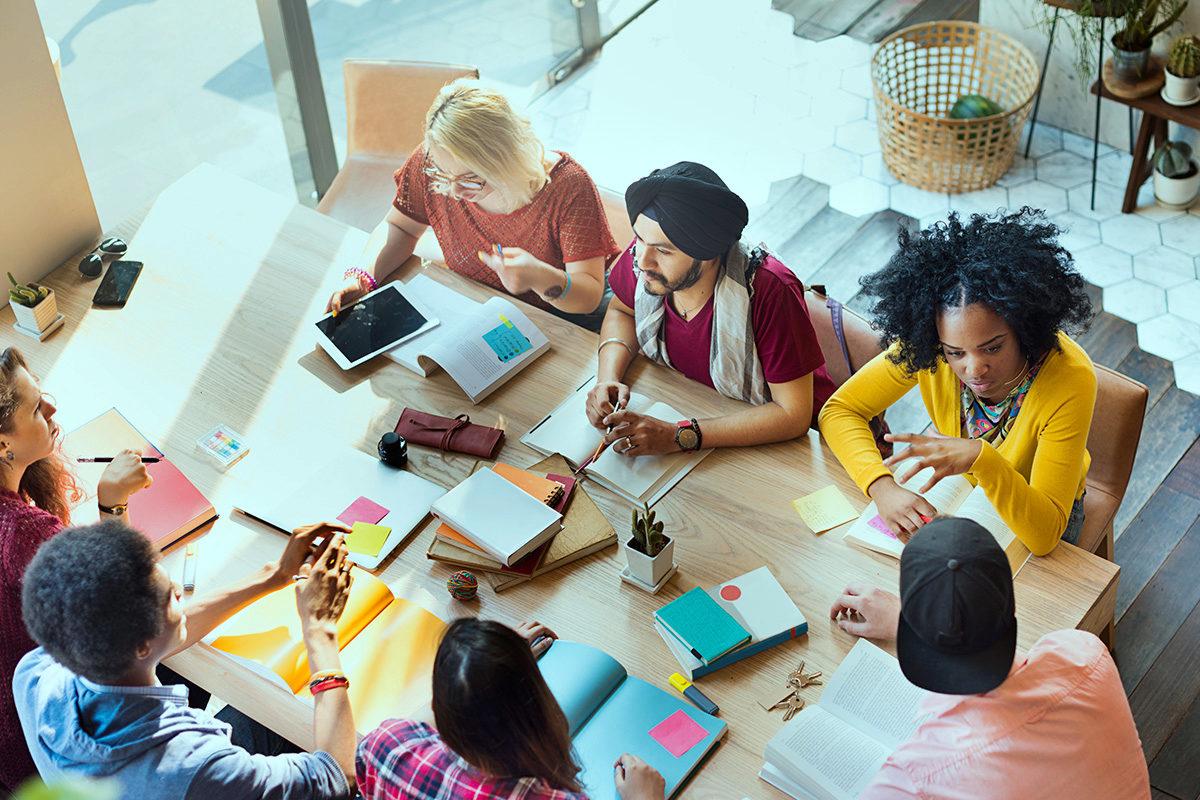 Über das Jurastudium hinaus – Hochschulgruppen