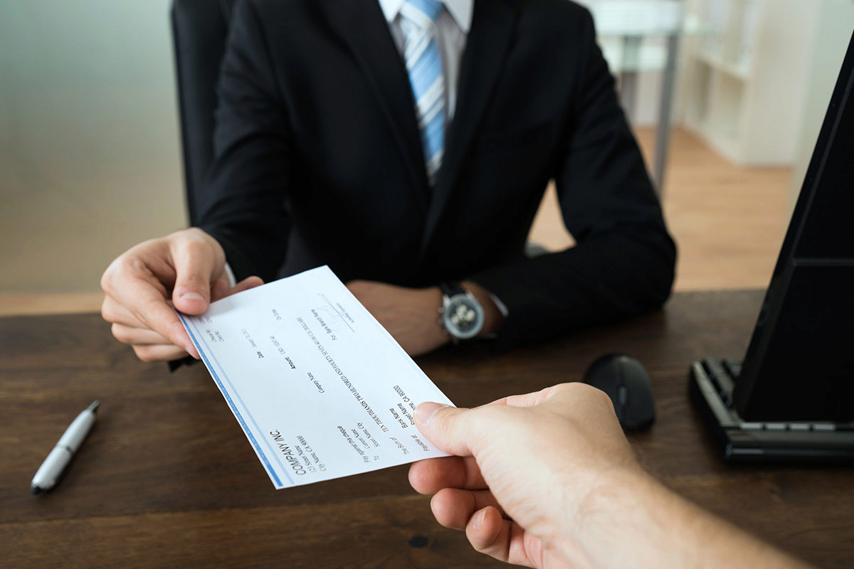 Welches Gehalt kann man wirklich als Jurist fordern in der Gehaltsverhandlung?