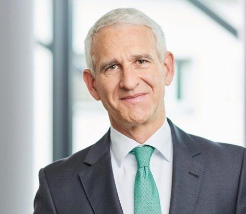Dr. Jochen Neumayer